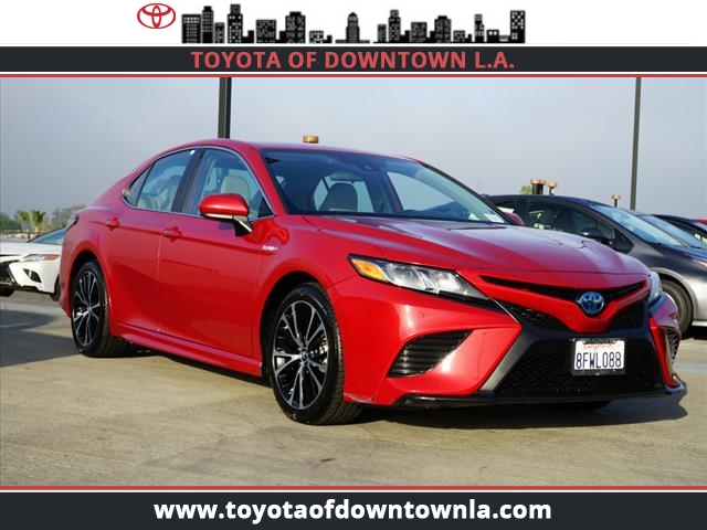 Pre-Owned 2019 Toyota Camry Hybrid SE